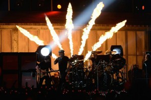 AC-DC_with_Chris_Slade_The_Grammys_03