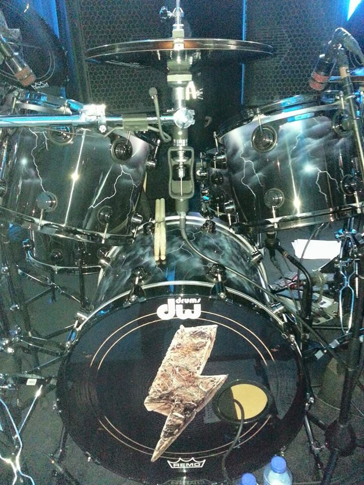 Chris_Slade_ACDC_New_DW_Drums1